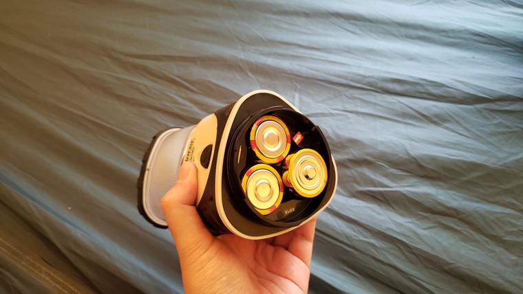 単1電池を3つ使用